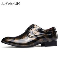 37-50 Plus Size Uomini fiore Dress Shoes Shadow Vernice in pelle Luxury Business Groom Wedding Scarpe casual Uomo Oxford