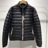 새로 출시 가을과 겨울 남성 디자이너 재킷은 칼라 빛 높은 품질의 럭셔리 화이트 구스 다운 재킷 따뜻한 다운 재킷 CG125 스탠드