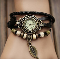 レトロクォーツブレスレット時計リーフペンダントPUレザーストラップドレス腕時計バングルヴィンテージ織りラップ腕時計女性女の子ニットウォッチ