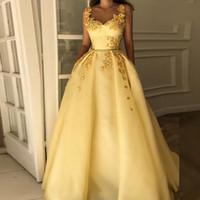 Amarillo árabes de encaje una línea de vestidos de baile 2020 tirante de espagueti de Dubai islámica Arabia árabe bordado apliques acanalada vestidos largos de noche elegante