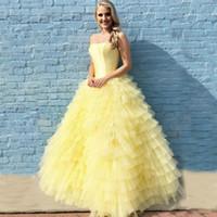 우아한 저녁 정장 드레스 2019 댄스 파티 드레스 긴 끈 민소매 내기 계층 얇은 명주 그물 빛 노란색 바닥 길이 파티 드레스