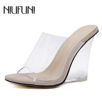 Sexy 2 cores transparentes de cristal Mulheres Chinelos 2019 Wedge Heel Shoes Slides Salto Alto Calçados Femininos Moda Wedge Sandals T200106