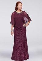 Borgogna Plus Size Pizzo Abiti formali con Wrap rilievo gioiello della sirena del collo degli abiti di sera Madre della Sposa Abiti
