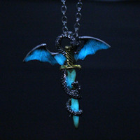 Световая Vintage Dragon Sword ожерелье титана стали ожерелье ювелирных изделий Glow In The Dark 442