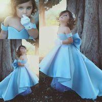 Cute Baby Blue High Low prima comunione abiti di seta Satin Off Spalle Puffy Flower Girls Abiti Glitz bambine Abiti da spettacolo