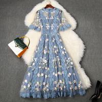 Europäische und amerikanische Damenbekleidung 2020 Sommer Neue Stil mit kurzen Ärmeln Gaze Blume Stickerei Modisches Kleid