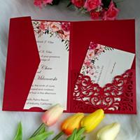 Invitación de la boda sobre rojo del estilo chino del corte del laser con la tarjeta de RSVP impresión personalizada las invitaciones para la ducha nupcial del partido de Quinceanera