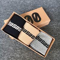 Мужчины Носки Письмо Носка Мода Досуг Скейтборд Спортивные Носки Созрики Хип Хоп с коробкой