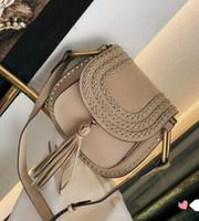 Klassische Weinlese-Woven-Sattel-Beutel Frauen Handtaschen Portemonnaie Suede Geflochtene Rindlederniet Troddel-Schulter-Beutel Umhängetasche Messenger Tasche