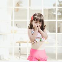 Kızlar plaj mayolar çocuklar çiçek baskılı Yaylar askı yüzme + falbala yüzmek mayo + şapka 3 adet setleri çocuk bikini mayo F6516