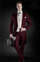 Por encargo de los padrinos de vino tinto smokinges del novio de la mañana estilo de los hombres Trajes Prom mejor hombre Blazer (chaqueta + pantalones + chaleco)