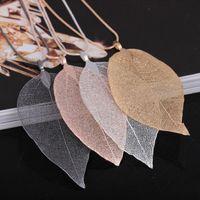 Collar colgante clásico de hoja Collar de plumas Suéter largo Cadena Declaración Joyería Gargantilla Collar para mujer Collares de hojas de hojas