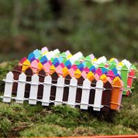Ücretsiz Kargo Sıcak Mini Küçük Çit Bariyer Ahşap Minyatürleri Ahşap Zanaat Peri Bahçe Palings Vitrin Ev Bahçe Süslemeleri
