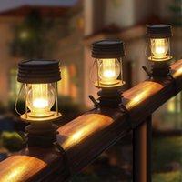 Solar Post Cap Light per recinzione in ferro battuto Nonna Retro Solar Barn Lantern Lamins Solar Solar Lights per giardino all'aperto