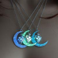 Neuer heißer Mond glühender Halskette Edelstein-Charme Schmuck Silber überzogen Frauen Hohle Herzform Luminous-Stein-Halskette Geschenke