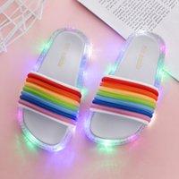 Xmas 1Pairs / 2 pz nuovi bambini a LED lampeggianti arcobaleno infradito flip flop striped toddler girl jelly pantofole estate bambini ragazze scarpe da pantofola luminose