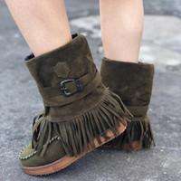 Kamuflaj botları Kadın Moda Günlük Yuvarlak Burun Roma Fringe Süet kısa Patik Düz Ayakkabı Plus boyutu Ayakkabı 43 püskül