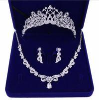 Romantique cristal perlé trois pièces bijoux de mariée ensembles de bijoux mariée boucles d'oreilles couronne cheveux tiarites salles de mariage accessoires pas cher