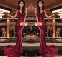 2019 Burgundy V Yaka Pullarda Denizkızı Gelinlik Modelleri Seksi Yüksek Slits vestidos de Fiesta Sweep Tren Örgün Uzun Akşam Parti Balo Abiye