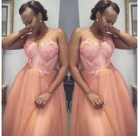 2020 Pfirsich Hochzeit Gast Prom Kleider Eine Linie Sheer Juwel Hals Blumenapplikationen Spitze Brautjungfernkleider Plus Größe Afrikanische Formelle Kleidung