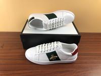 Vente chaude italienne chaussures de casseaux de sport pour hommes femmes de qualité supérieure serpent chaussures de serpent cuir ACE Bee Broderie Broderie Stripes Sports de marche