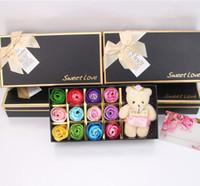 Romântico Rose Soap Flor Com Pouco Bonito Urso Boneca 12 pcs Caixa Presente Para Presentes Dia dos Namorados para Presente de Casamento ou presentes de aniversário