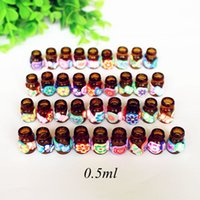 100pcs lot Mini Essential Oil Bottle 0.5ml Polymer Clay Perfume Pendant Vial Glass with Natural Cork