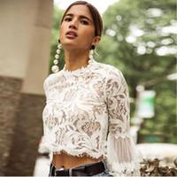 Moda yaz Boho Mini uzun puf kollu kırpma seksi perspektif o-boyun beyaz Dantel bluzlar bayanlar rahat gömlek başında bluz