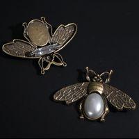 Vintage Bronce Bronce Broche Mujeres Retro Bee Broche Traje Pin de solapa Accesorios de joyería de moda Precio al por mayor