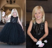 Vendita calda Tulle nero Puffy Flower Girls 'Dresses for Weddings 2019 Jewel Neck Paillettes senza maniche Pageant Party Gowns