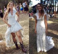 Vintage Country Robes De Mariée V Cou Cou Cap Manchons De Plancher Longueur Dentelle Robes De Mariée Cowgirls Haute basse Robes de mariée Bridal Bridal Bridal