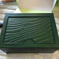 Смотреть видео Green Brand Watch Box оригинал с карточками и документами Сертификаты Сервисные сумки в поле для 116610 116660 116710 часов