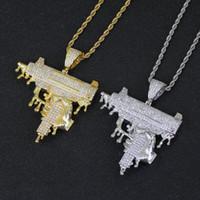 Elini Tutan Silah Şekli Kolye Kolye Altın Renk Buzlu Out Kübik Zirkonya Erkekler Hip hop Kaya Takı