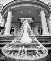 Voile de mariée en dentelle blanche de mariage de dentelle blanche de chapelle de cathédrale simple avec le peigne mariée 2T 3m longtemps adaptés aux besoins du client