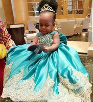 Маленькие детские платья девушки цветок с бисером золотой аппликации экипажа шеи конкурса партии платье на день рождения атлас-принцессы