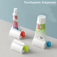 Multifuncional manual rotação de Banho Creme de plástico Tubo Squeezer Dispenser Rolar Tubo Squeezer Toothpaste Dispenser