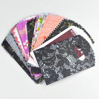 Mini 100pcs colore misto casuale 9 * 15cm sacchetti regalo di plastica di imballaggio del regalo grazioso di plastica con la maniglia per acquisto di boutique