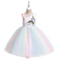 Pailleté d'étoiles et la tête licorne et filles arc-en-robes pageant pour la performance scénique conception épaule irrégulière contraste costume couleur