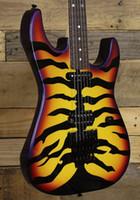 Custom Made George Lynch Signature Tiger Stripe Sunburst viola Bordo nero della chitarra elettrica Hardware Tremolo, Chiusura sintonizzatori