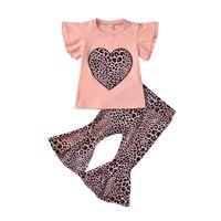 2020 Sommer-Kind-Leopard Kleidung Sets Mädchen-Herz-Fliegen-T-Shirt Top + Flare Leopard Hosen 2pcs / set Art und Weise Kinder Outfits M1908