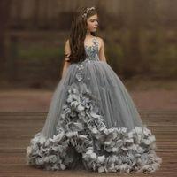 Güzel Gri Spagetti Kayışı Balo Çiçek Kız Elbise Boncuklu Kristal Tül Dantel Katmanlı Toddler Pageant Elbise Çocuk Prenses Balo Elbisesi
