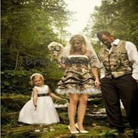 Atractivo de la boda vestidos cortos sin tirantes Camo Sobre la rodilla Impreso País Forset boda faldas plisadas ata para arriba el vestido de novia barato de Boho 2020