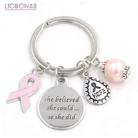 1 ADET Yeni Varış Paslanmaz Çelik Anahtarlık Anahtarlıklar Meme Kanseri Bilinçlendirme Pembe Kurdele Anahtarlık Anahtarlık Hediyeler Kadınlar için Takı