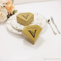 창조적 인 유니콘 삼각 피라미드 웨딩 다이아몬드 모양의 금도금 선물 상자 골든 초콜릿 캔디 박스 파티 핫 세일 0에 270 공급