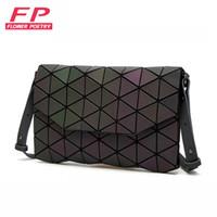 New Luminous Frauen Abendtasche Kleine Umhängetaschen Mädchen Bao Bag Flap Handtasche Geometrische Bao Damen Casual Clutch Messenger Bags Y19051802