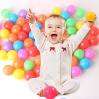 القطر 5.5 سنتيمتر الملونة المحيط الكرة لينة البلاستيك المحيط الإجهاد الكرة الطفل مضحك لعب صديقة للبيئة في الهواء الطلق داخلي أطفال السباحة لعبة الكرة DS0572 ZX
