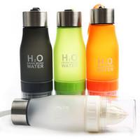 Botella de agua infusor de jugo de fruta creativa 650ml H2O Botella de jugo de limón portátil de plástico para agua Shaker Botella de deporte al aire libre