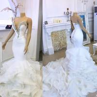 Niveles volantes atractivo largo del vestido nupcial de hundimiento atractiva del cuello vestidos de boda de la sirena del V cristales con cuentas más el tamaño de vestido de la novia