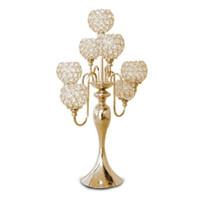 Kreativer europäischer Luxus H69cm Hochzeit Kristall Tisch Mittelstück Kristall Kerzenständer 7 Köpfe Kerzenhalter Hochzeit Dekoration Bankett Requisiten