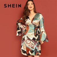 Shein Multicolor plus Aufflackern-Hülsen-Kettendruck Surplice Geometric Volant-Hülsen-Kleid Frauen 2019 Night Out Knielange Kleider
